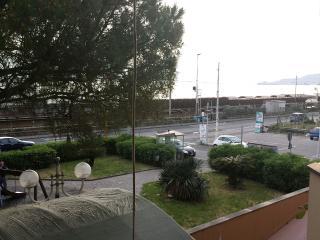 Appartamento fronte mare, Cavi