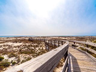 La Mahana (102E), Gulf Shores