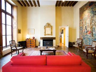 Fantastic Rental at Marais Picasso in Historical P, Paris