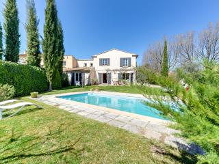 Inviting Provencal villa in Puyricard