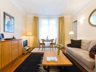 Champs Elysees Apartment Rental at Lauriston