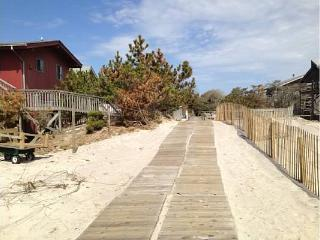 JULY 15- 17 WEEKEND AVAILABLE - SLEEPS 13, Ocean Beach