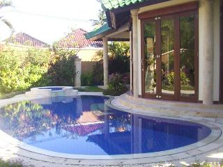 KING VILLA 3 bedrooms Private villa - 14, Sanur