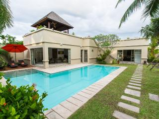 3 Bed Luxury Pool Villa BangTao Residence