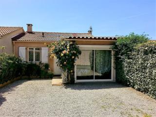 Charmant petit studio, en rez-de-jardin, près de la mer, d'Ajaccio et Porticcio, Sarrola-Carcopino