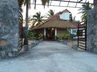 Beach House Resort-Batticaloa