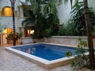 Amazing Unit steps from the Beach, Playa del Carmen
