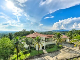 4Bed Hill Side Pool Villa1-Near Big Buddha Chalong