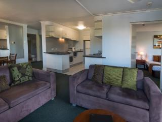 Coral Towers Holiday Suites Two Bedroom Apartment, Cairns