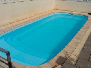 Chalet con piscina: mar y montaña!