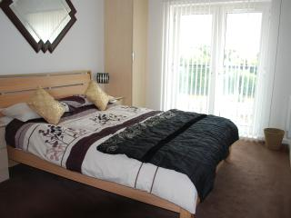 Racecourse Apartments - 2 bed, Chester