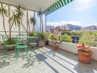 Beautiful 2BR - big shiny terrace - seaview, Cannes