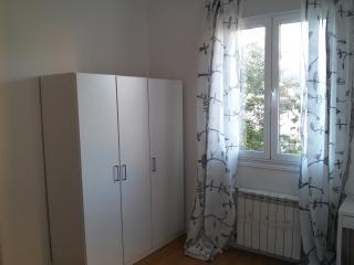 Se alquila piso con encanto en casa unifamiliar, Vigo