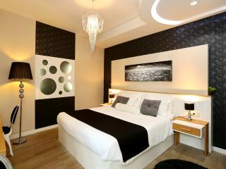 Peninsula Luxury Room II - Old Town