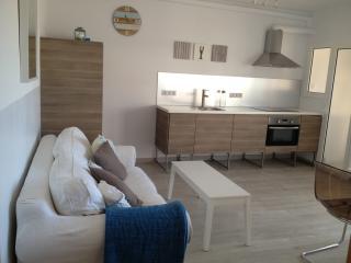 Nuevo, centro Sitges,WiFi,piscina,terraza, parking