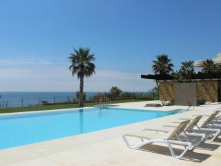 1856 - 3 bed apartment, Horizon Beach, Estepona