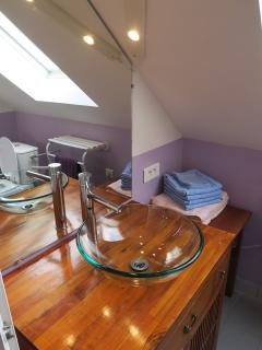 salle de bain à l'étage (wc et douche)