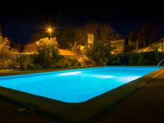 Le Fitou: Spacious Gite with pool & garden