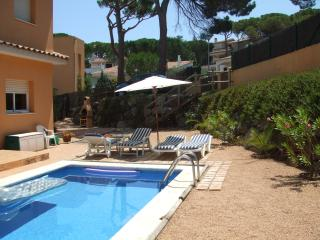 Detached Villa with Private Pool, Air-con, Interne, Pals