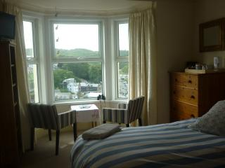 Twin room with River and Harbour views, Looe