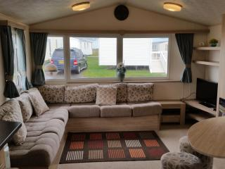Deluxe Static Caravan, Haven Seashore Gt Yarmouth, Great Yarmouth