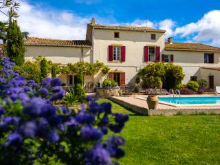 Le Fitou: Spacious Gite with pool & garden