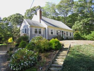 Charming Home Just 2 Miles to Nauset, Orleans