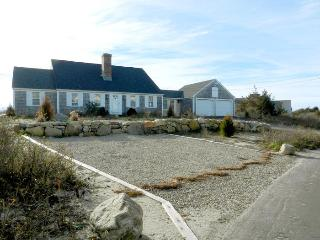 Home on Nantucket Sound & Private Beach, Yarmouth