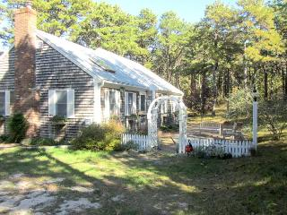Family Friendly Home in Indian Neck Area