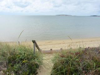 2 Bedroom Beachfront Cottage, Wellfleet