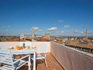 INTERNO 5 - the highest terrace of Siena