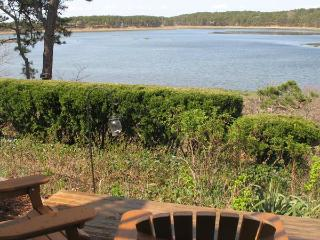 Lovely Condo Overlooking Drummer Cove, Wellfleet