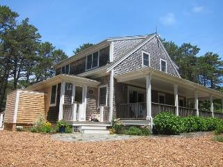 Updated Wellfleet Contemporary!