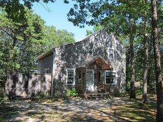 3 Bedroom Saltbox on Quiet Cul-de-Sac, Wellfleet