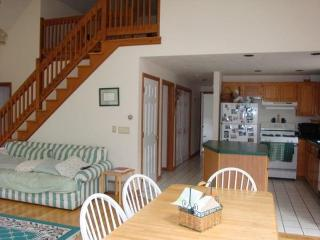 South Yarmouth 3 Bedroom in Peaceful area