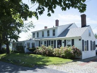 3 bedroom with Bass River Views!, South Yarmouth