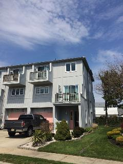 Immaculate 3Bed, 2.5Bath Townhouse - Ground Pool!!, Brigantine