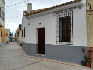 Casa ubicada en el pintoresco barrio «Poble Nou» construido a mitad del S. XIX.