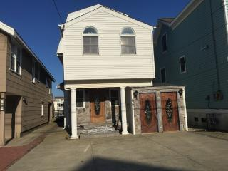 Beautiful Bayfront home 85 W 17th St Ocean City NJ