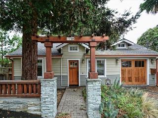 3723 Casa Mar ~ Beautiful Craftsman Home! Close to Everything!, Pacific Grove