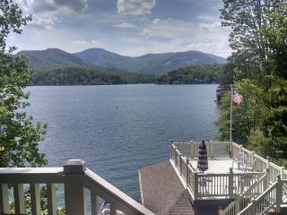 Gorgeous LAKEFRONT HOME-AWESOME MTN & LAKE VIEWS, Lake Lure