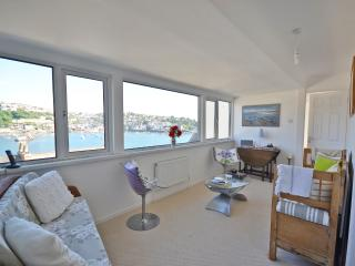 Fowey Cottage with stunning views
