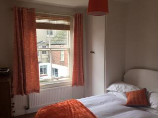 Whitby holiday cottage 3 beds with parking