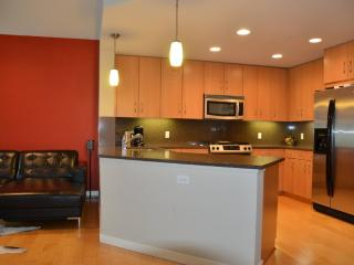 Fully Furnished 1 Bedroom Condo In Oakland