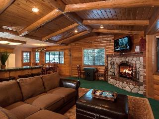 Modern 3-Bedroom Chalet. Walk to Bear Mountain! Steps to the National Forest., Big Bear Region