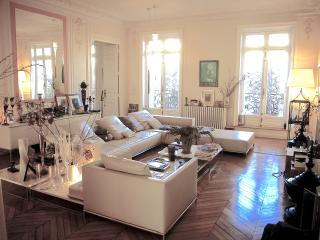 Luxury, Stylish 300 m2 Apartment - Heart of Paris