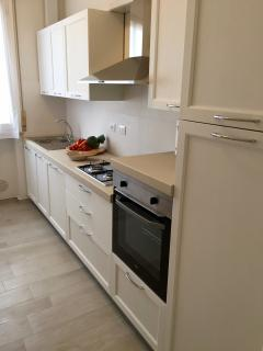 The fully equipped kitchen, details