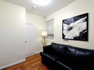 Furnished 2-Bedroom Apartment at 1st Avenue & E 65th St New York, Ciudad de Long Island