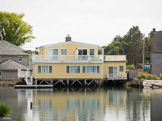 Luxury Waterfront 4 Bedrooms In Dock Square!, Kennebunkport