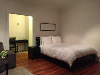 PREPOSSESSING FURNISHED 1 BATHROOM STUDIO APARTMENT, Santa Monica